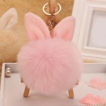 Pompom kulcstartóra, táskára akasztható nyuszi füles szőrme dísz rózsaszín