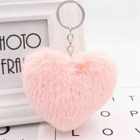 Pompom kulcstartóra, táskára akasztható szív alakú szőrme dísz rózsaszín